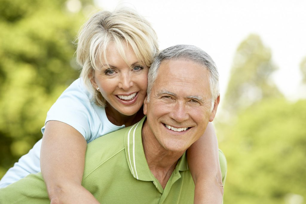 Healthy-Smile-dental-senior-Dental-implant